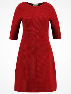 Hobbs TAMSIN  Stickad klänning cherry red