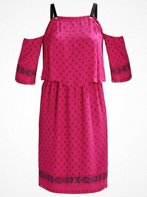 Intropia Sommarklänning pink