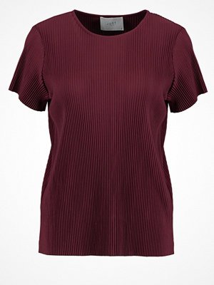 Just Female QUINT Tshirt med tryck port red