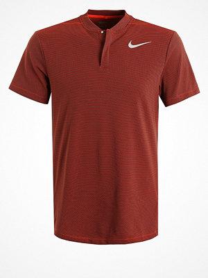 Sportkläder - Nike Golf FLY BLADE Tshirt med tryck max orange/black