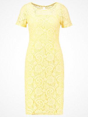Dorothy Perkins Fodralklänning yellow