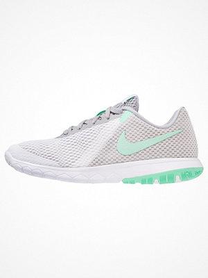 Nike Performance FLEX EXPERIENCE RUN 6 Löparskor för tävling white/green glow/wolf grey