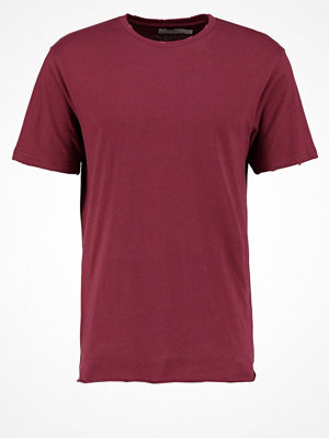Topman CLASSIC FIT Tshirt med tryck burgundy