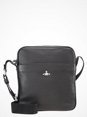 Väskor & bags - Vivienne Westwood MILANO Axelremsväska black