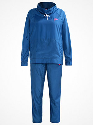 Nike Sportswear Träningsset industrial blue/white/racer pink
