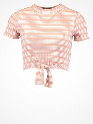 Missguided Petite Tshirt med tryck pink
