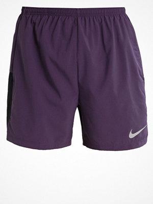 Sportkläder - Nike Performance FLEX CHALLENGER Träningsshorts dark raisin/black