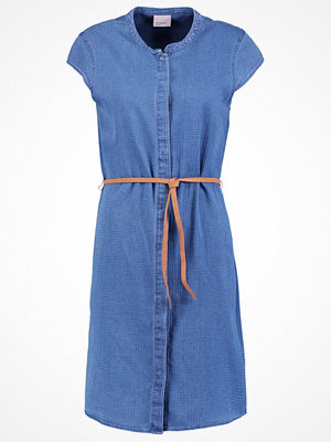 Vero Moda VMVEDA Skjortklänning medium blue denim