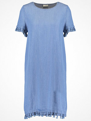 Noisy May Tall NMDITA  Sommarklänning medium blue denim