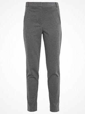 Vero Moda VMVICTORIA Tygbyxor dark grey melange grå