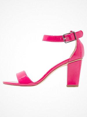 Tamaris Sandaler & sandaletter fuxia