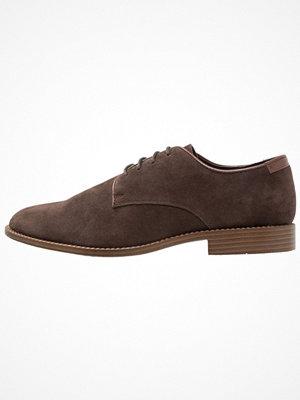 Vardagsskor & finskor - New Look Snörskor dark brown