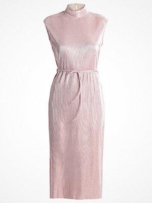 Festklänningar - Oh My Love ROSCOEA  Cocktailklänning lilac