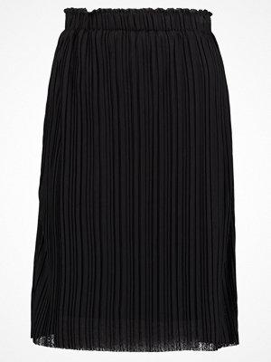 Vero Moda VMMIRA Veckad kjol black