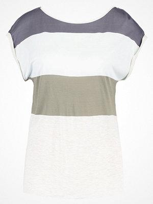 khujo INSTA Tshirt med tryck olive