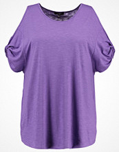 New Look Curves Tshirt med tryck bright purple