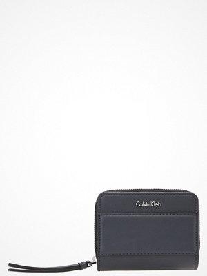 Plånböcker - Calvin Klein Plånbok ombre blue