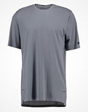 Sportkläder - Nike Performance ELITE Funktionströja gris