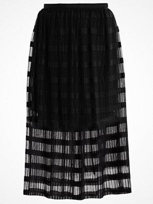 Miss Selfridge Veckad kjol black