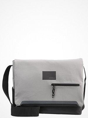 Väskor & bags - Strellson STANMORE Axelremsväska grey