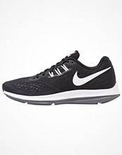 Sport & träningsskor - Nike Performance ZOOM WINFLO 4 Löparskor stabilitet black/white/dark grey