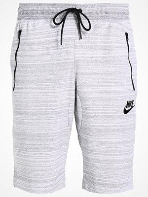 Shorts & kortbyxor - Nike Sportswear Träningsbyxor weiß/grau