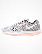 Sport & träningsskor - Nike Performance ZOOM WINFLO 4 Löparskor stabilitet wolf grey/white/anthracite/sunset glow