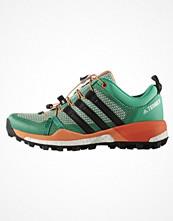 Sport & träningsskor - Adidas Performance TERREX SKYCHASER  Löparskor terräng core green/core black/easy orange