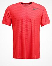 Sportkläder - Nike Performance Funktionströja track red