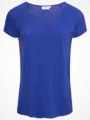 J. Lindeberg Tshirt bas dk blue/purple
