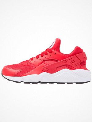 Sneakers & streetskor - Nike Sportswear AIR HUARACHE Sneakers university red/true berry/black/white