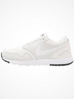 Sneakers & streetskor - Nike Sportswear AIR VIBENNA Sneakers summit white