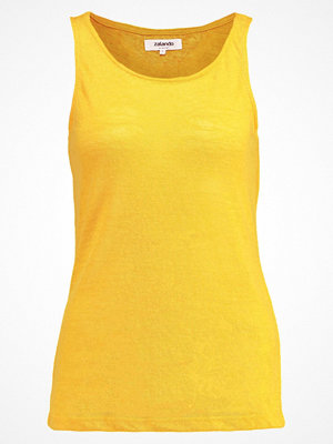 Zalando Essentials Tshirt med tryck yellow