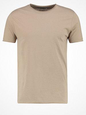 T-shirts - KIOMI Tshirt bas mushroom