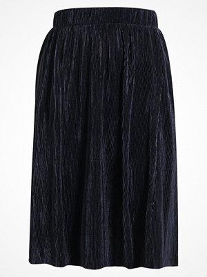 Vero Moda VMMIRANDA  Veckad kjol navy blazer
