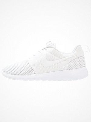 Sneakers & streetskor - Nike Sportswear ROSHE ONE SE Sneakers white/pure platinum