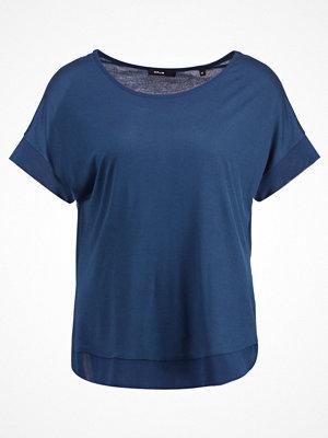 Opus SEANZELL Tshirt med tryck thunder blue