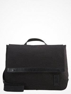 Väskor & bags - KIOMI Axelremsväska canvas black