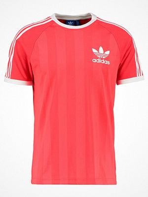 T-shirts - Adidas Originals Tshirt med tryck pink