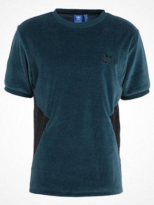 T-shirts - Adidas Originals Tshirt med tryck virdia