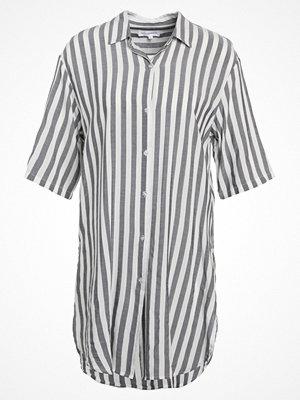 MOSS Copenhagen SIMPEL BEACH Skjorta white/grey stripe