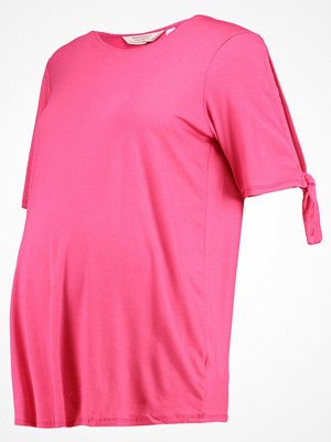 DP Maternity Tshirt med tryck raspberry