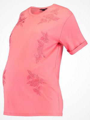 Topshop Maternity Tshirt med tryck pink