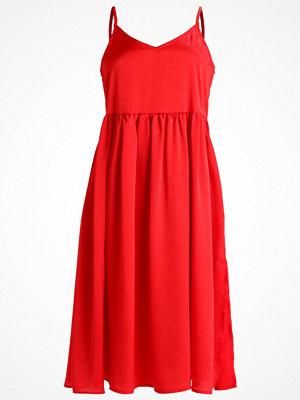 Glamorous Petite Sommarklänning red