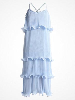 Glamorous Petite Maxiklänning light blue