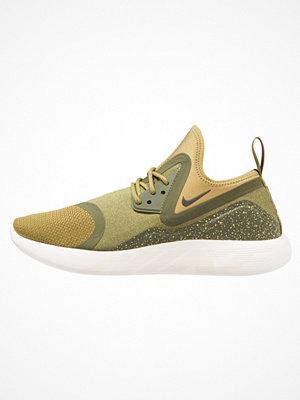 Sneakers & streetskor - Nike Sportswear LUNARCHARGE ESSENTIAL Sneakers camper green/sequoia/legion green