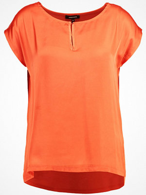 More & More Tshirt med tryck spicy orange