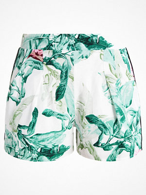 Only ONLELENA Shorts cloud dancer