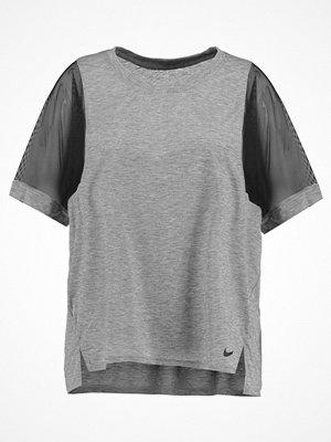 Sportkläder - Nike Performance Tshirt med tryck grey/black