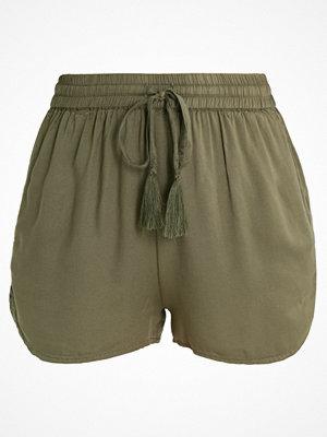 Shorts & kortbyxor - Topshop BEACH Shorts khaki